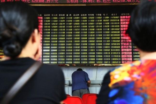 """Chứng khoán Trung Quốc lại """"bốc hơi"""" reo rắc nỗi sợ hãi cho chứng khoán toàn cầu - anh 1"""