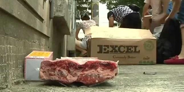 Thịt sống 40 năm tung hoành trên đường phố Trung Quốc - anh 1