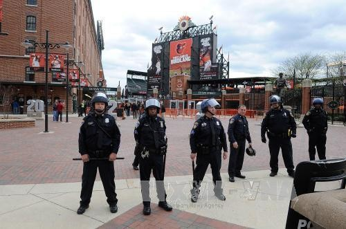 Mỹ: Thống đốc bang Maryland ban bố tình trạng khẩn cấp ở Baltimore - anh 2