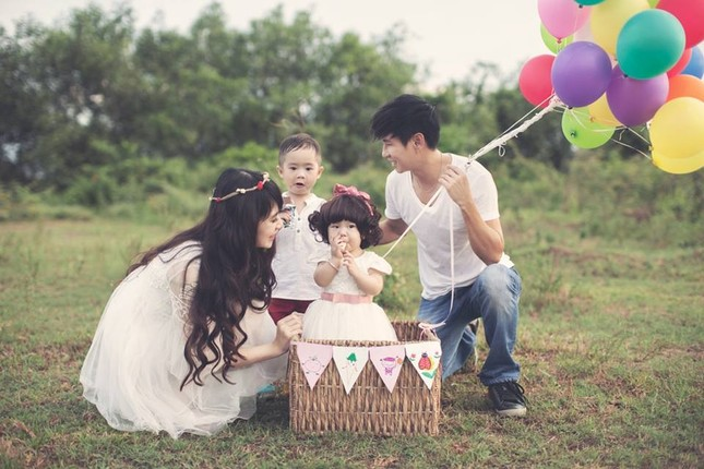 5 bộ ảnh siêu đẹp của gia đình ca sĩ Lý Hải - Minh Hà trong năm 2014 - anh 8