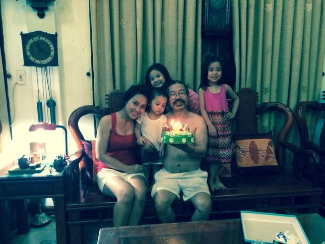 NSND Lê Hùng: Con cái là sợi dây thiêng liêng kết nối gia đình - anh 2