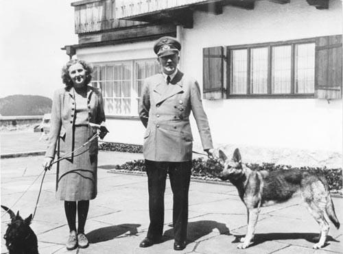 Giấc mơ thời niên thiếu của Adolf Hitler - anh 3