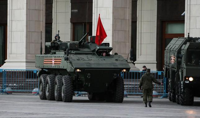 Những vũ khí khủng lần đầu xuất hiện trong Lễ Duyệt binh ở Nga - anh 2