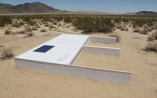 Độc đáo bể bơi bí mật giữa sa mạc Mojave, California - anh 3