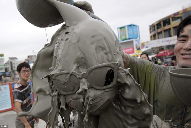 """""""Cười bể bụng"""" với lễ hội tắm bùn Boryeong - Hàn Quốc - anh 3"""
