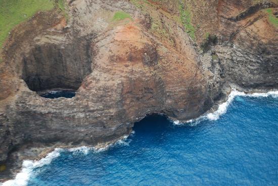 """Mê mẩn trước vẻ đẹp """"đốn tim"""" du khách cuả bể bơi đẹp nhất Hawaii - anh 5"""