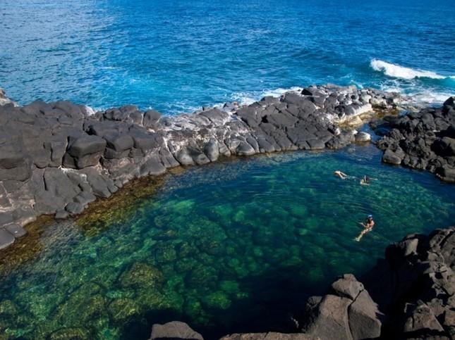 """Mê mẩn trước vẻ đẹp """"đốn tim"""" du khách cuả bể bơi đẹp nhất Hawaii - anh 6"""