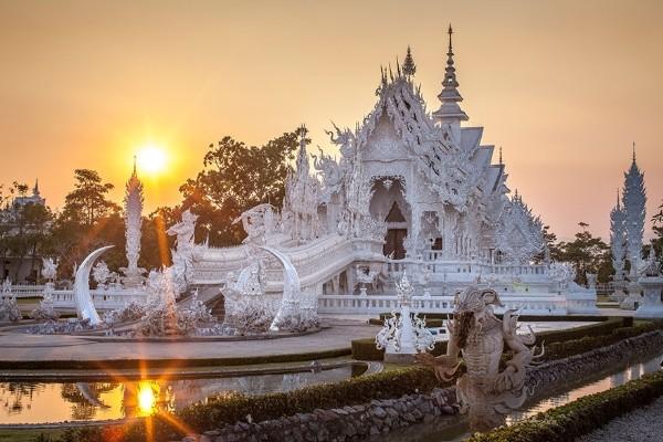 Chiêm ngưỡng vẻ đẹp kỳ ảo của ngôi đền trắng độc đáo ở Thái Lan - anh 11