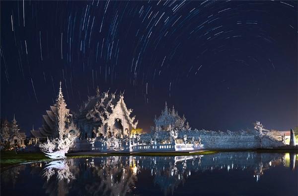 Chiêm ngưỡng vẻ đẹp kỳ ảo của ngôi đền trắng độc đáo ở Thái Lan - anh 1