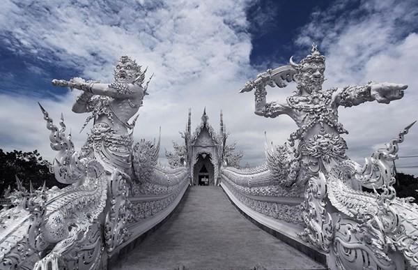 Chiêm ngưỡng vẻ đẹp kỳ ảo của ngôi đền trắng độc đáo ở Thái Lan - anh 2