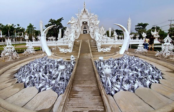 Chiêm ngưỡng vẻ đẹp kỳ ảo của ngôi đền trắng độc đáo ở Thái Lan - anh 3