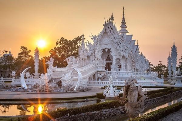 Chiêm ngưỡng vẻ đẹp kỳ ảo của ngôi đền trắng độc đáo ở Thái Lan - anh 4