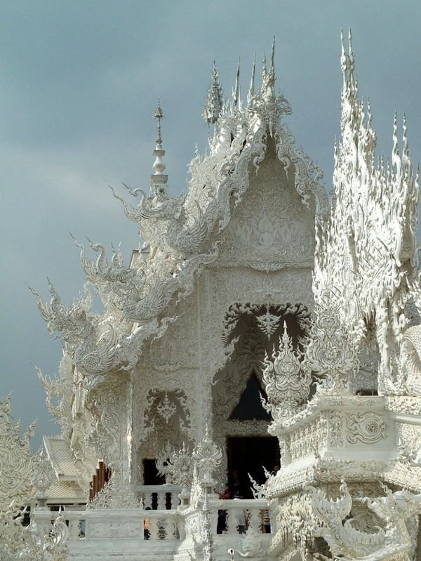 Chiêm ngưỡng vẻ đẹp kỳ ảo của ngôi đền trắng độc đáo ở Thái Lan - anh 5