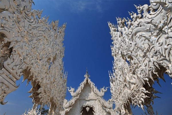 Chiêm ngưỡng vẻ đẹp kỳ ảo của ngôi đền trắng độc đáo ở Thái Lan - anh 10