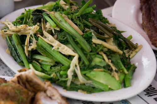 Xao xuyến với món rau dớn đặc sản núi rừng - anh 2