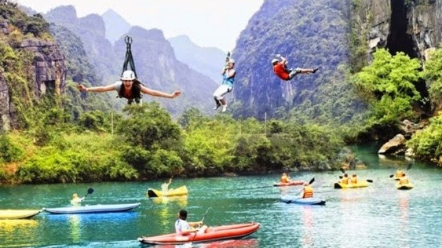 Khám phá vẻ đẹp Phong Nha - Kẻ Bàng qua dịch vụ đu dây trên không zip-line - anh 1