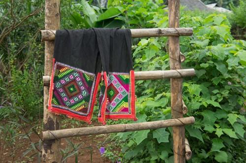 Sự thật thú vị đằng sau chiếc khăn piêu của người Thái - anh 3