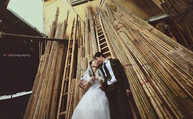 """Cư dân mạng """"phát sốt"""" với bộ ảnh cưới ở chợ của cặp đôi trẻ - anh 10"""