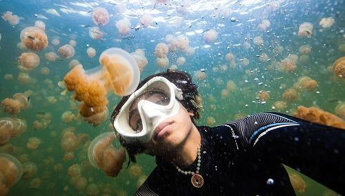 Thót tim với những trải nghiệm du lịch mạo hiểm trên thế giới - anh 6