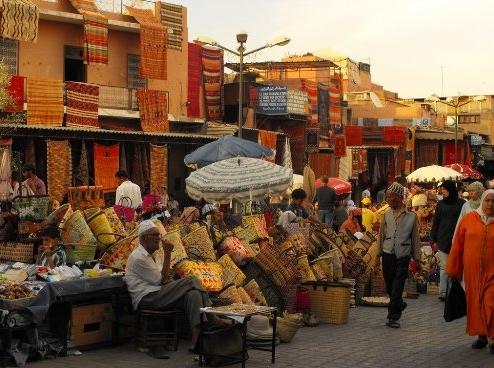 Hà Nội lọt top 10 thành phố giàu bản sắc nhất thế giới - anh 10