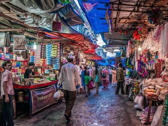 Chợ Long Biên lọt top những khu chợ trời hấp dẫn nhất thế giới - anh 2