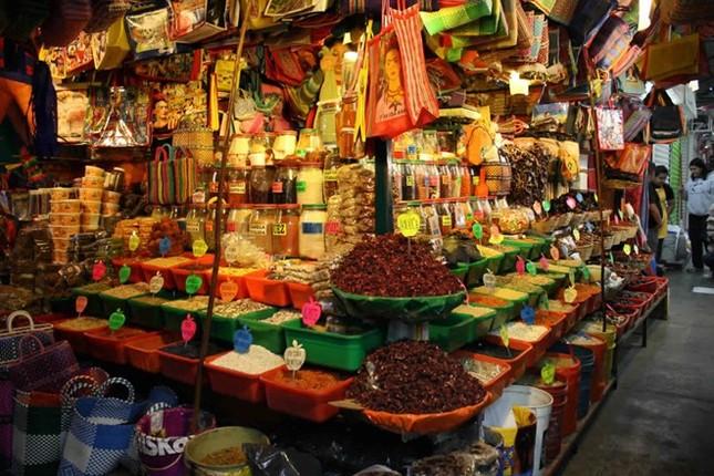 Chợ Long Biên lọt top những khu chợ trời hấp dẫn nhất thế giới - anh 6