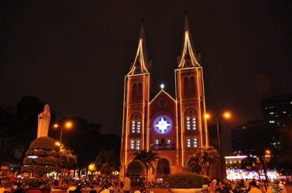 Những địa điểm đi chơi Noel lý tưởng ở Sài Gòn - anh 2