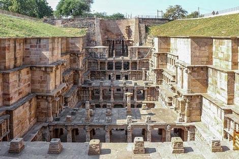 Độc đáo ngôi đền có cấu trúc ngược ở Ấn Độ - anh 1
