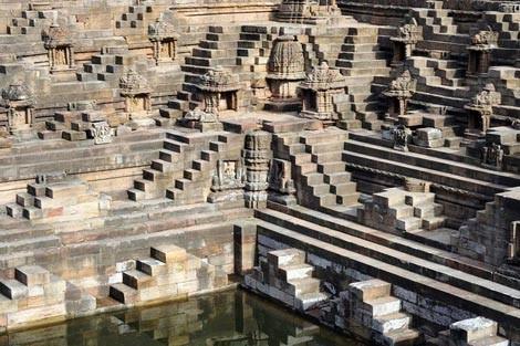 Độc đáo ngôi đền có cấu trúc ngược ở Ấn Độ - anh 2
