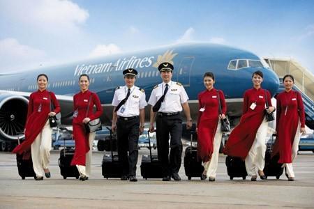 Hé lộ mức lương đáng mơ ước của phi công Vietnam Airlines - anh 1
