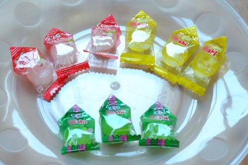 Cách làm hoa sen bằng kẹo bày bàn thờ ngày Tết cực đơn giản - anh 4