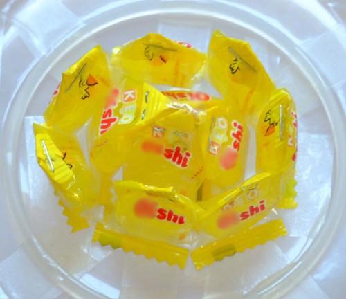 Cách làm hoa sen bằng kẹo bày bàn thờ ngày Tết cực đơn giản - anh 6