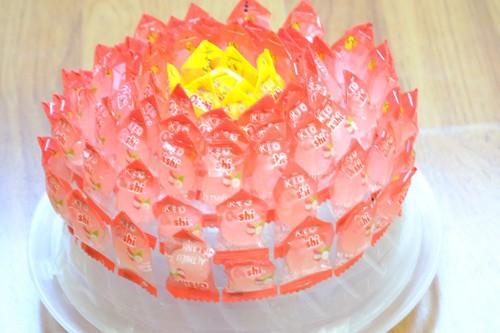 Cách làm hoa sen bằng kẹo bày bàn thờ ngày Tết cực đơn giản - anh 7
