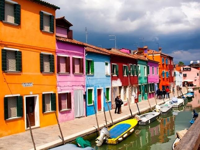 Khám phá hòn đảo cổ tích đầy màu sắc ở Italy - anh 12