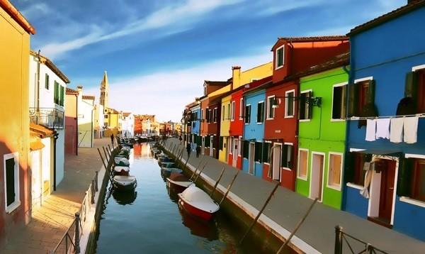 Khám phá hòn đảo cổ tích đầy màu sắc ở Italy - anh 2