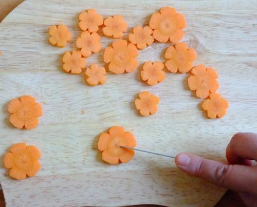 Cách làm mứt cà rốt ngọt thơm, bắt mắt - anh 1