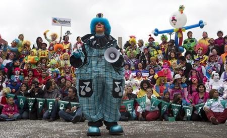 Hấp dẫn lễ hội của những chú hề ở Mexico - anh 6
