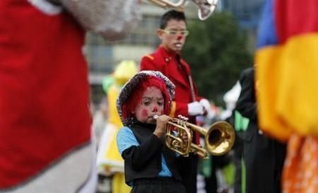 Hấp dẫn lễ hội của những chú hề ở Mexico - anh 8