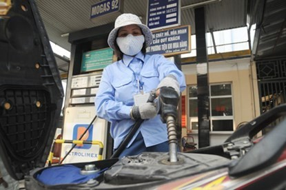 Giá xăng dầu lại tiếp tục giảm trong hôm nay 21/1? - anh 1