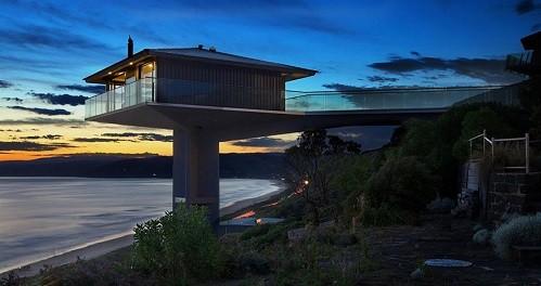 Độc đáo ngôi nhà một cột bên bờ biển Australia - anh 2