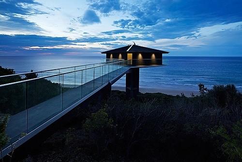 Độc đáo ngôi nhà một cột bên bờ biển Australia - anh 6