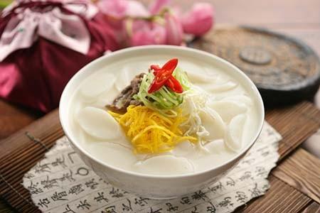 10 món ăn không thể thiếu trong ngày Tết của người dân Châu Á - anh 3