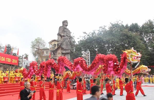 Những lễ hội truyền thống ở Miền Bắc lý tưởng cho chuyến du xuân đầu năm - anh 1