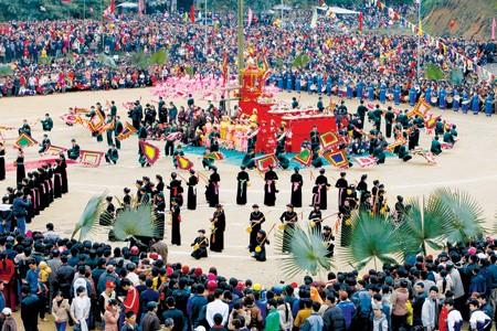 Những lễ hội truyền thống ở Miền Bắc lý tưởng cho chuyến du xuân đầu năm - anh 5