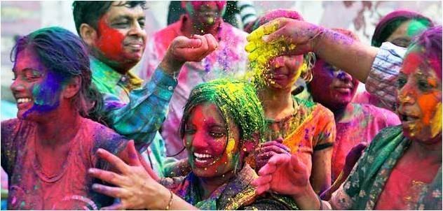 Độc đáo lễ hội ném bột màu Holi ở Ấn Độ - anh 3
