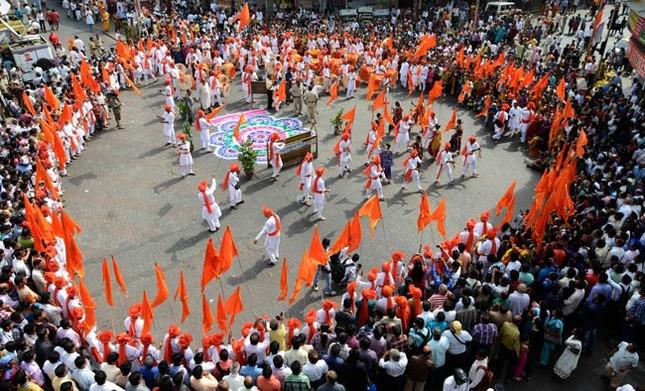 Độc đáo lễ hội ném bột màu Holi ở Ấn Độ - anh 5