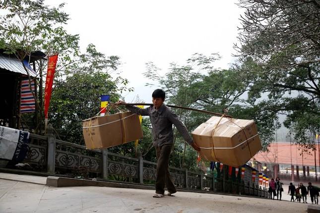 Không khí chuẩn bị lễ hội năm Kỷ Mùi 2015 rộn ràng ở Chùa Hương - anh 7