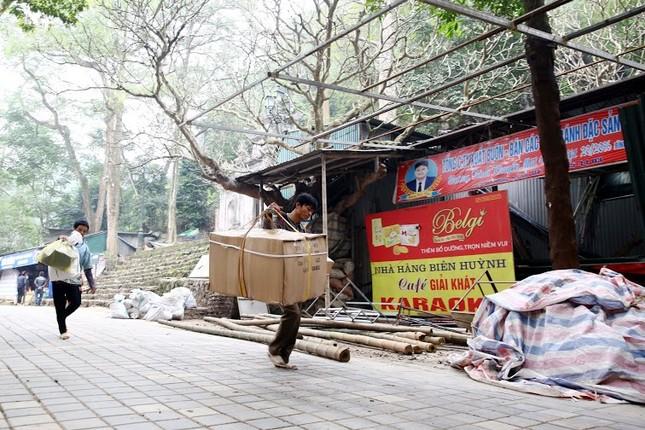 Không khí chuẩn bị lễ hội năm Kỷ Mùi 2015 rộn ràng ở Chùa Hương - anh 11
