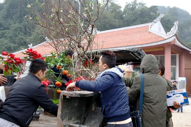 Không khí chuẩn bị lễ hội năm Kỷ Mùi 2015 rộn ràng ở Chùa Hương - anh 20