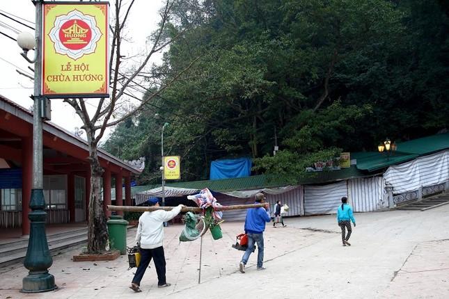 Không khí chuẩn bị lễ hội năm Kỷ Mùi 2015 rộn ràng ở Chùa Hương - anh 21